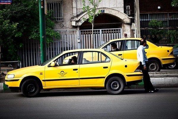 مرحله دوم توزیع لاستیک بین رانندگان تاکسی در سمنان شروع شد
