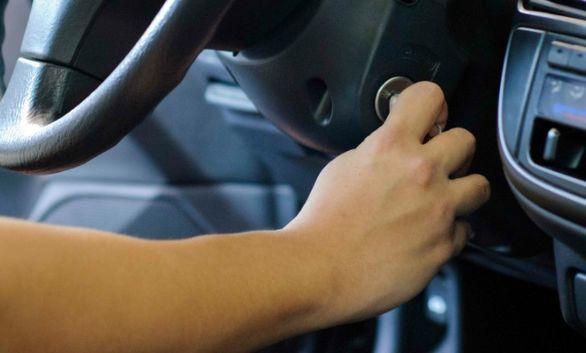 دلایل استارت نخوردن خودرو چیست و چه باید کرد؟