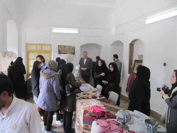 نمایشگاه تولیدات صنایع دستی در شهرستان رشتخوار برگزار گردید