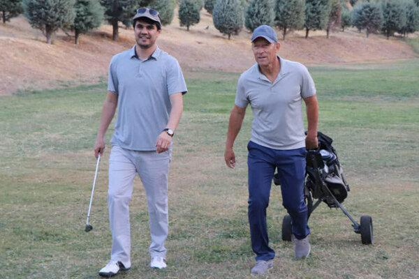 گلف بازی سرمربی تیم پرسپولیس در مجموعه ورزشی انقلاب