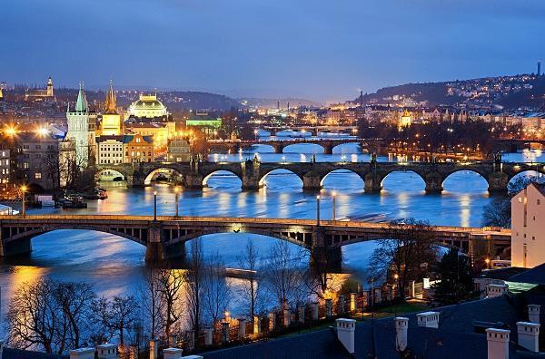 پراگ : شهر فرهنگ و افسانه ها