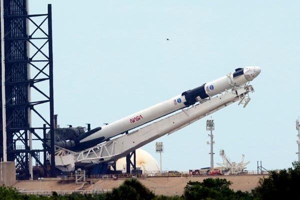پرتاب فضاپیمای اسپیس ایکس به تعویق افتاد
