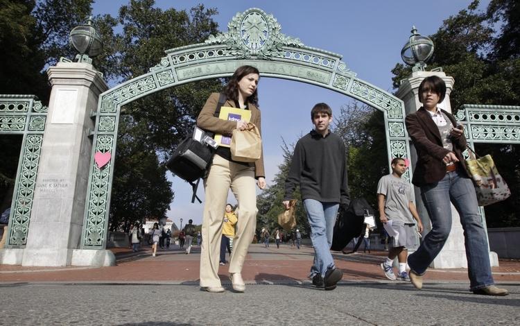 دانشجویان خارجی از آمریکا دیپورت می شوند