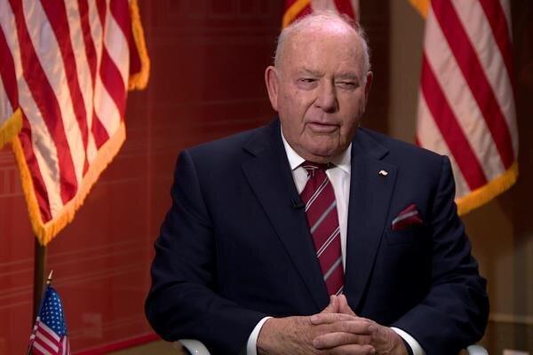 سفیر آمریکا در مجارستان استعفا داد