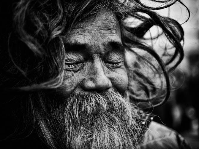 حکایت مرد عابد و ریشهایش از عطار نیشابوری