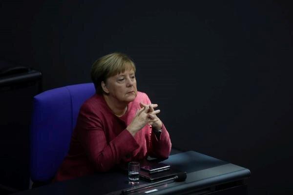 آنگلا مرکل اقدام مسکو در اخراج دیپلماتهای اروپایی را محکوم کرد