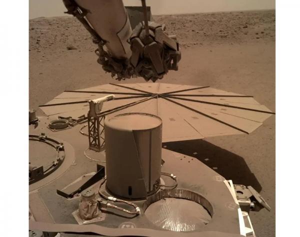 مریخ نشین اینسایت ناسا در بحران - ناسا مجبور شد که اینسایت را به صورت اورژانسی به حالت خواب یا هایبرنیشن ببرد!