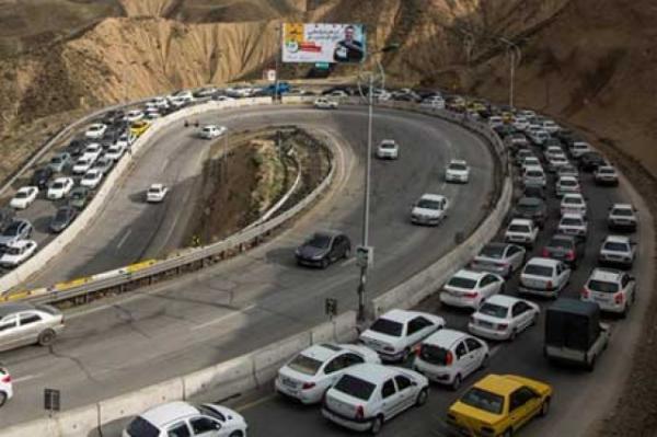 10 جاده به دلیل کاهش ایمنی راستا مسدود است، ترافیک در راستا جنوب به شمال محور های فیروزکوه و هراز